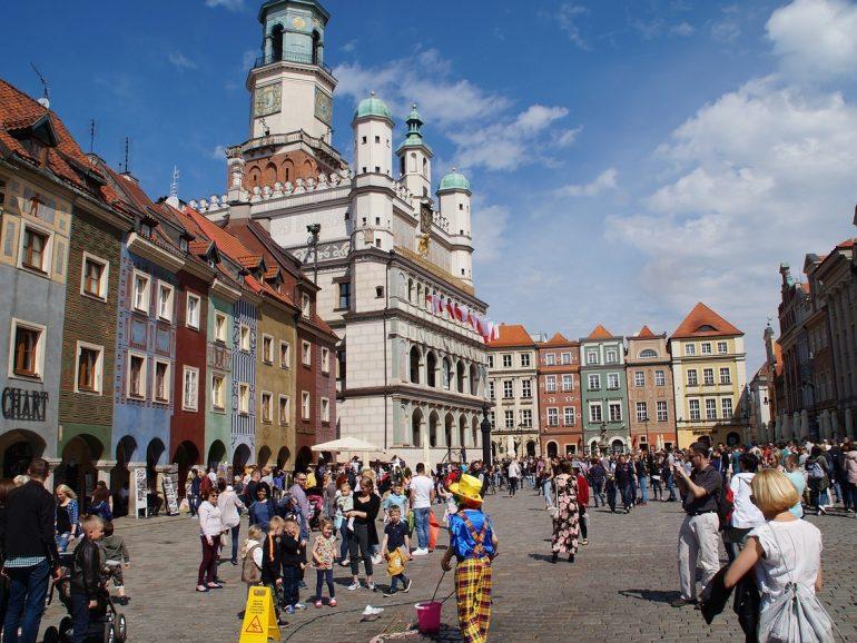 Praca weekendowa w Poznaniu – dobra opcja nie tylko dla studentów